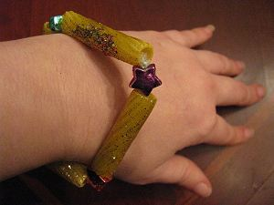 New Year's Traditions: Gold Bracelet Craft from Chile