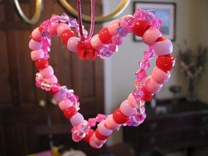 preschool and kindergarten valentine  craft   beaded heart