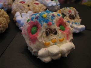 Easy, Edible Sugar Skulls (Calavera) for Dia de Los Muertos