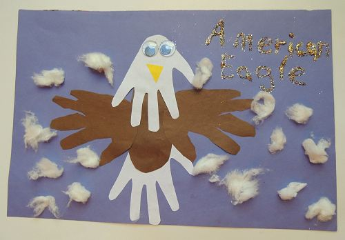 Patriotic Hand Print Bald Eagle Craft for the Fourth of July from Naturally Educational